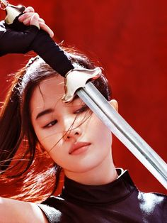 """no matter what you think about the upcoming mulan movie, i think we all can agree on the fact that liu yifei was a perfect choice for the role. she'll make an amazing mulan and i'll watch it at least for her"" Disney Aesthetic, Princess Aesthetic, Character Aesthetic, Zuko, Actrices Hollywood, The Last Airbender, Pose Reference, Dark Fantasy, Beauty And The Beast"