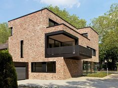 Dom z cegły. Andreas heupel architekten Style At Home, Unusual Buildings, Family House Plans, Brickwork, Facade House, Architecture Design, Villa, Exterior, House Design