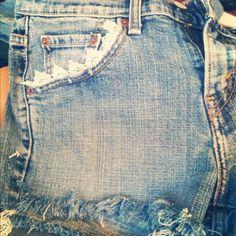 DIY lace pockets on denim shorts!