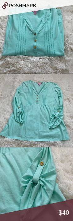 "Lilly Pulitzer Mint Green Dorothy Top Excellent condition!! 100% Pima cotton. Measurements: 18"" across chest, 22.5"" across bottom, 27"" long. I would say it's a fit and flare style too. Really cute! Lilly Pulitzer Tops"