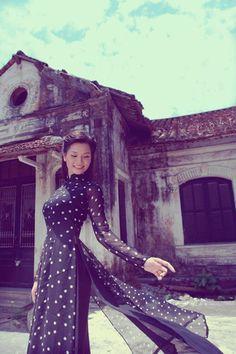 Áo dài chấm bi. Pollo dots long dress. Ao dai bi.