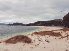 La maravillosa Playa De Rodas luce espectacular, también en #otoño #IslasCíes vía @laulolailo #Galicia #SienteGalicia