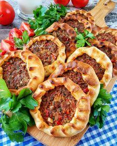 Open recipe for baked mouth - Cahide Sultan ب Ù سم ال .- Offenes Rezept für gebackenen Mund – Cahide Sultan بÙسِمْ اللهِ الر Ù Open recipe for baked mouth – Cahide Sultan ب Ù سم الله الر Ù … – - Healthy Eating Tips, Healthy Nutrition, Vegetable Drinks, Vegetable Pizza, Easy Cake Recipes, Baking Recipes, Mousse Au Chocolat Torte, Buffalo Chicken Pizza, Open Recipe