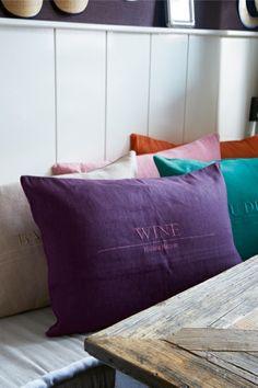 RM Wine Pillow 65x45