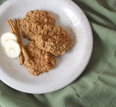 vegan, flourless breakfast oatmeal cookies (I'll be making these with homemade almond milk)