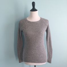 Grey Knit Sweater Simple grey knit sweater by forever 21 contemporary. A comfortable closet essential! Size small. Forever 21 Sweaters