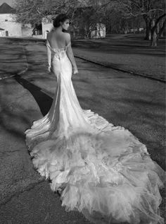 AMORE (Beauty + Fashion): ❣ WEDDING BELL WEDNESDAY ❣- Inbal Dror 2013 Bridal Collection (Part 2)