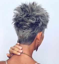 Edgy Pixie Hairstyles, Pixie Haircut For Thick Hair, Funky Short Hair, Pixie Cut With Bangs, Haircut For Older Women, Short Grey Hair, Short Pixie Haircuts, Short Hairstyles For Women, Short Hair Styles
