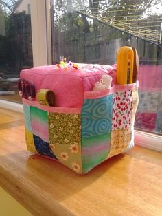 bluepatch quilter: Mega Pincushion. Love it!