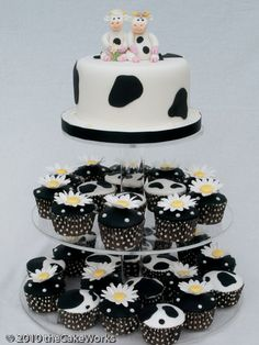 I love this! It would be the perfect cake for my bday, lol.