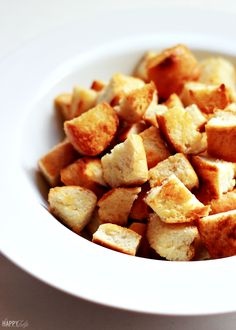 Homemade Garlic Butter Croutons — easy and so much better than store-bought croutons! │ thehappytulip.com