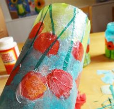 How to make a stained glass poppy votive Here's a fun little project that would make a lovely teacher or hostess gift for the holidays. Cute Crafts, Crafts For Kids, Arts And Crafts, Paper Crafts, Nursing Home Crafts, Remembrance Day Art, Poppy Craft, Anzac Day, Art Lesson Plans