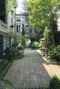 I like the type of stone with the green border. It doesn't seem as difficult to do as most courtyards. It also looks very natural yet grand.