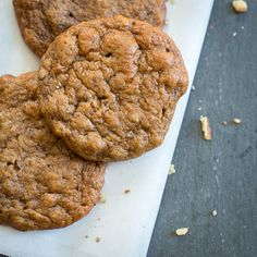 Almond Butter Banana Cookies for an easy and healthy breakfast on the go or for snacks.  #glutenfree #grainfree #recipes