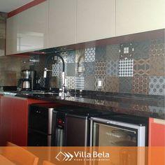 Cozinha gourmet, com os azulejos Patch Black @decortiles!  #villabelarevestimentos #arquitetura #architecture #interior #arquiteto #architect #archilovers #decorador #decor #decoração #design #designinteriores #inspiração