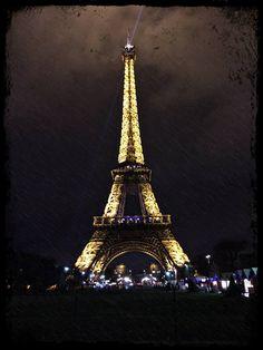 Love storm in Paris - Rain under the Eiffel Tower