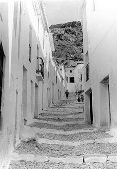 Frigiliana then and now Beautiful Streets, Beautiful Places In The World, Moorish, The Visitors, Then And Now, Old Town, Spain, Old Things, Artwork