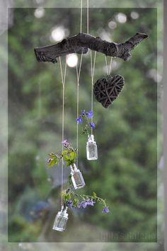 - Wind chimes, dream catchers and pretties - Dekoration Garden Crafts, Garden Projects, Garden Art, Diy Projects, Bottle Art, Bottle Crafts, Deco Nature, Diy Wind Chimes, Decoration Plante