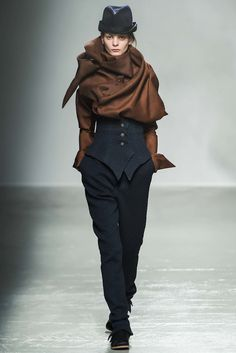 http://www.vogue.com/fashion-shows/fall-2015-ready-to-wear/aganovich/slideshow/collection