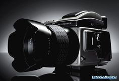 Hasselblad the Austin Martin of cameras. Just a dream... Extreme Photography, Photography Reviews, Gopro Photography, Photography Equipment, Digital Photography, Landscape Photography, Portrait Photography, Wedding Photography, Leica Camera