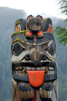 Detail of a Ketchikan Totem Pole -- Vancouver Island, Canada Arte Haida, Haida Art, Native Art, Native American Indians, Native American Totem Poles, Totems, Totem Pole Art, Tiki Totem, Cherokees