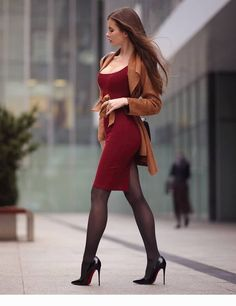 Fashion Trends: Top Interesting and Popular Facts about fashion Designers Beautiful Legs, Beautiful Models, Tight Dresses, Sexy Dresses, Sexy Outfits, Fashion Outfits, Womens Fashion, Fashion Tights, Fashion Fall