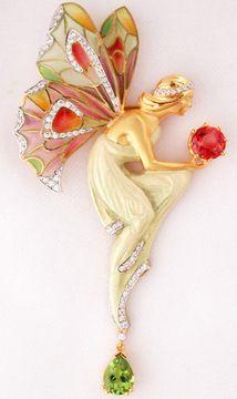 Colgante Hada, Masriera. Oro, esmalte, diamantes, esmeralda y rubí.