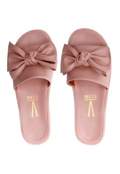 Jewellery For Lady - Cute Shoes Flats, Cute Sandals, Women's Shoes Sandals, Fashion Slippers, Fashion Shoes, All Nike Shoes, Cute Slippers, Stylish Sandals, Fresh Shoes