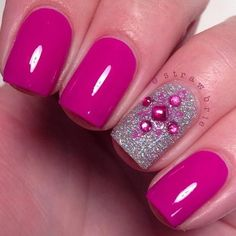 Hot-Pink-And-Silver-Nail-Design-For-Short-Nails Pretty Pink Nail Art Designs Silver Nail Designs, Short Nail Designs, Nail Art Designs, Nails Design, Pink Nail Art, Pink Nails, Purple Nail, Purple Sparkle, Color Nails