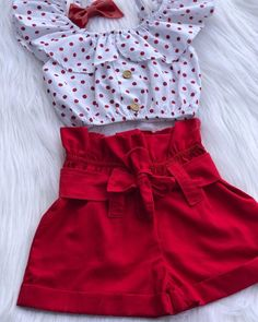 La imagen puede contener: personas de pie Toddler Summer Dresses, Dresses Kids Girl, Little Girl Outfits, Kids Outfits Girls, Cute Outfits For Kids, Baby Girl Dress Patterns, Baby Dress Design, Baby Girl Fashion, Toddler Fashion