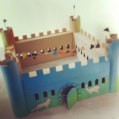 homemade cardboard castle by Sofie Verhoeve Cardboard City, Cardboard Box Crafts, Cardboard Castle, Paper Crafts, Forts En Carton, Pop Can Crafts, Castle Crafts, Art For Kids, Crafts For Kids