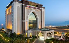 The Crowne Plaza Antalya is a brand new, upscale beachfront city hotel that caters to both business and leisure travelers from around the world. Antalya, Hotels And Resorts, Best Hotels, Luxury Hotels, Outside Pool, Family Friendly Resorts, Plaza Hotel, Turkey Travel, Beautiful Ocean