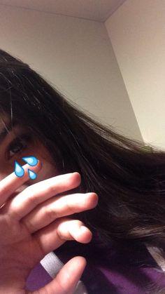 cry, girl, and emoji użytkownika vivjanallaci_1   We Heart It