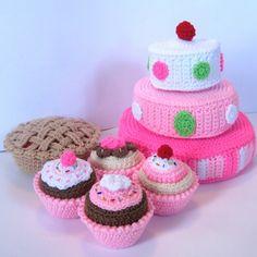 Play-Food-Crochet-Pattern-Just-Desserts