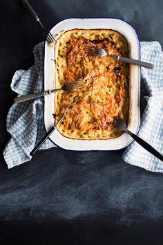 Janssonin kiusaus – katso resepti!   Meillä kotona Food Styling, Lasagna, Tapas, Good Food, Pork, Turkey, Potatoes, Fish, Meat