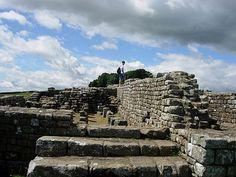 Hadrian's Wall - Wikipedia, the free encyclopedia