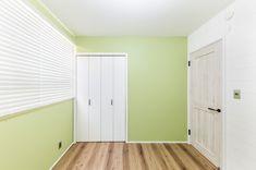 ZERO-CUBE SIMPLE STYLE モルタル仕上のインダストリアルハウス | 施工事例 | 住まいづくりのご相談ならオレンジハウス東京 Private Room, Tall Cabinet Storage, Garage Doors, Outdoor Decor, Room Ideas, Yoga, Furniture, Home Decor, Decoration Home