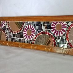 Mosaic Projects, Projects To Try, Mosaic Furniture, Bath Panel, Fence Panels, Coat Hanger, Mosaic Art, Diy Gifts, Stained Glass