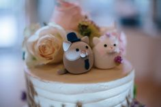 Real wedding photo -- Love cats MochiEgg wedding cake topper, View More: http://katieging.pass.us/mr-and-mrs-beauvais — with Maryann Beauvais and Brian Beauvais. #ceremony #ideas #planning #cakedecor #kitten #kitty #cute #handmadecaketopper #custommade #animalscaketopper #claydoll #gift #unique #kikuikestudio #Boda #mariage #Hochzeit #結婚式 #weddingparty #cakedesign