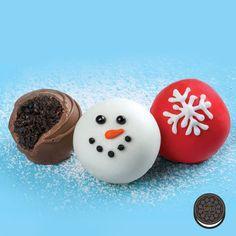 OREO Snowman Cookie Balls Recipe (design may be better than recipe, but pinning cuz cute) Snowman Cookies, Oreo Cookies, Holiday Cookies, Holiday Desserts, Holiday Baking, Holiday Treats, Holiday Parties, Oreo Truffles, Oreo Cake