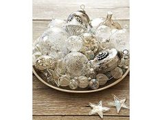 Addobbi natalizi: le decorazioni in bianco