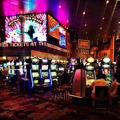Serio.... De toodos os cassinos e hoteis que conheci aqui, esse foi o que eu mais me apaixonei!!! New York Cassino Hotel ❤️❤️❤️❤️❤️ #YOLOVEGAS
