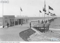 Pierwsze molo w Orłowie na dawnych zdjęciach | Strefa Historii History Channel, Homeland, Opera House, Building, Travel, Historia, Fotografia, Viajes, Buildings