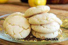 Lemon Almond Crinkle Cookies from the slowroasteditalian.com #dessert #cookies