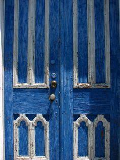stunning blue door