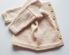 Crochet baby romper shops Ideas for 2019 Crochet Kids Scarf, Crochet Romper, Newborn Crochet, Crochet Baby Hats, Baby Knitting, Winter Baby Clothes, Knitted Baby Clothes, Baby Winter, Crochet Clothes