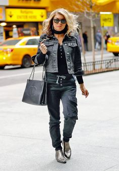 Stacy Ferguson Stills Out and About in New York #Stacy #Ferguson #Newyork  Read more: http://www.celebskart.com/stacy-ferguson-stills-new-york/#ixzz4VIRauCZW
