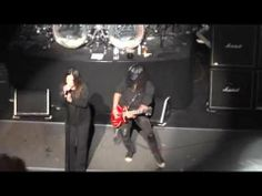 ▶ Ozzy Osbourne & Slash 5.12.14 MusiCares Map Fund Benefit Show - YouTube