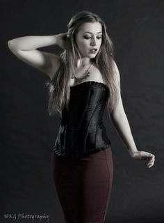 Charlotte Emily / corset / model / photoshoot / fashion