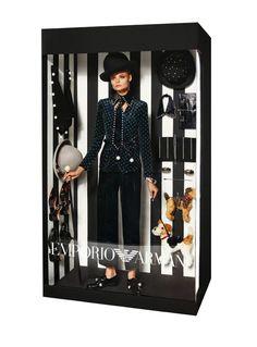 パッケージのままでカワイイ!各ブランドに身を固めたバービー人形のようなコラボがステキ。